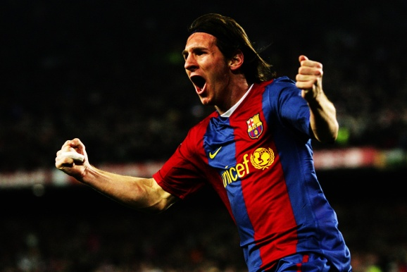BARCELONA, SPAIN - MARCH 10: Lionel Messi of Barcelona celebrates after scoring their second goal during the Primera Liga match between Barcelona and Real Madrid at the Nou Camp stadium on March 10, 2007 in Barcelona, Spain. (Photo by Denis Doyle/Getty Images) *** Local Caption *** Lionel Messi